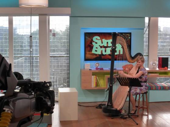 alexandra-tv-harpist